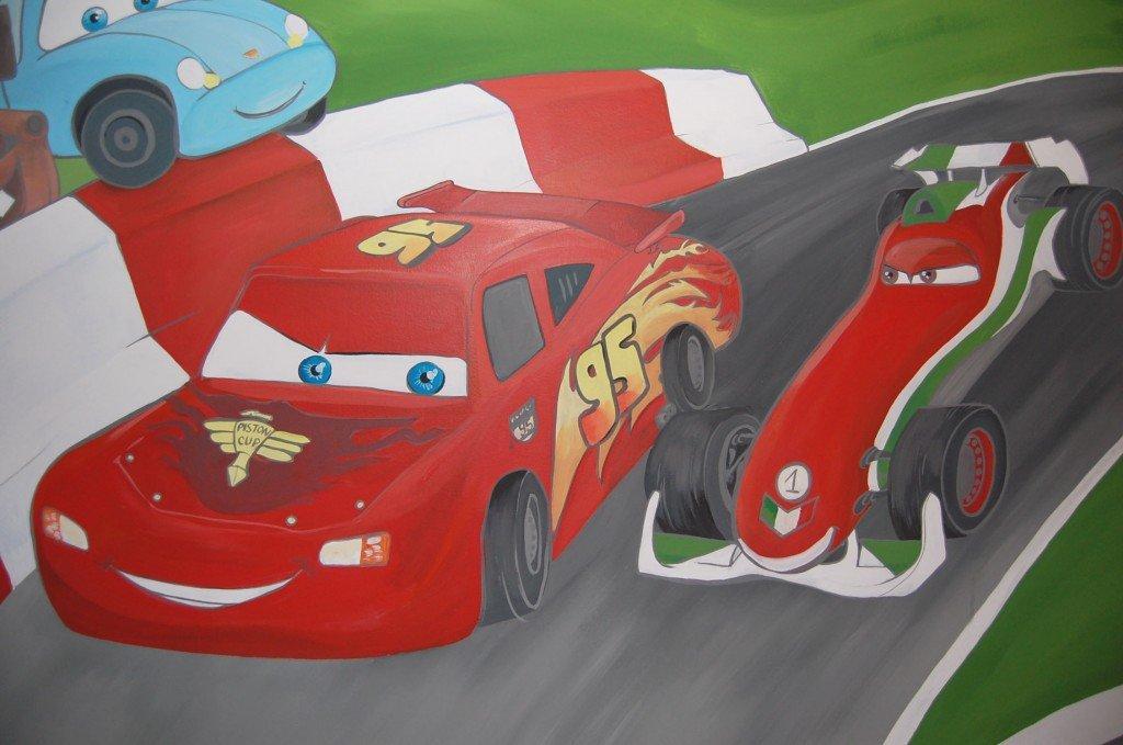peinture-dessin-mur-cars-course-francesco-chambre-enfant--1024x679